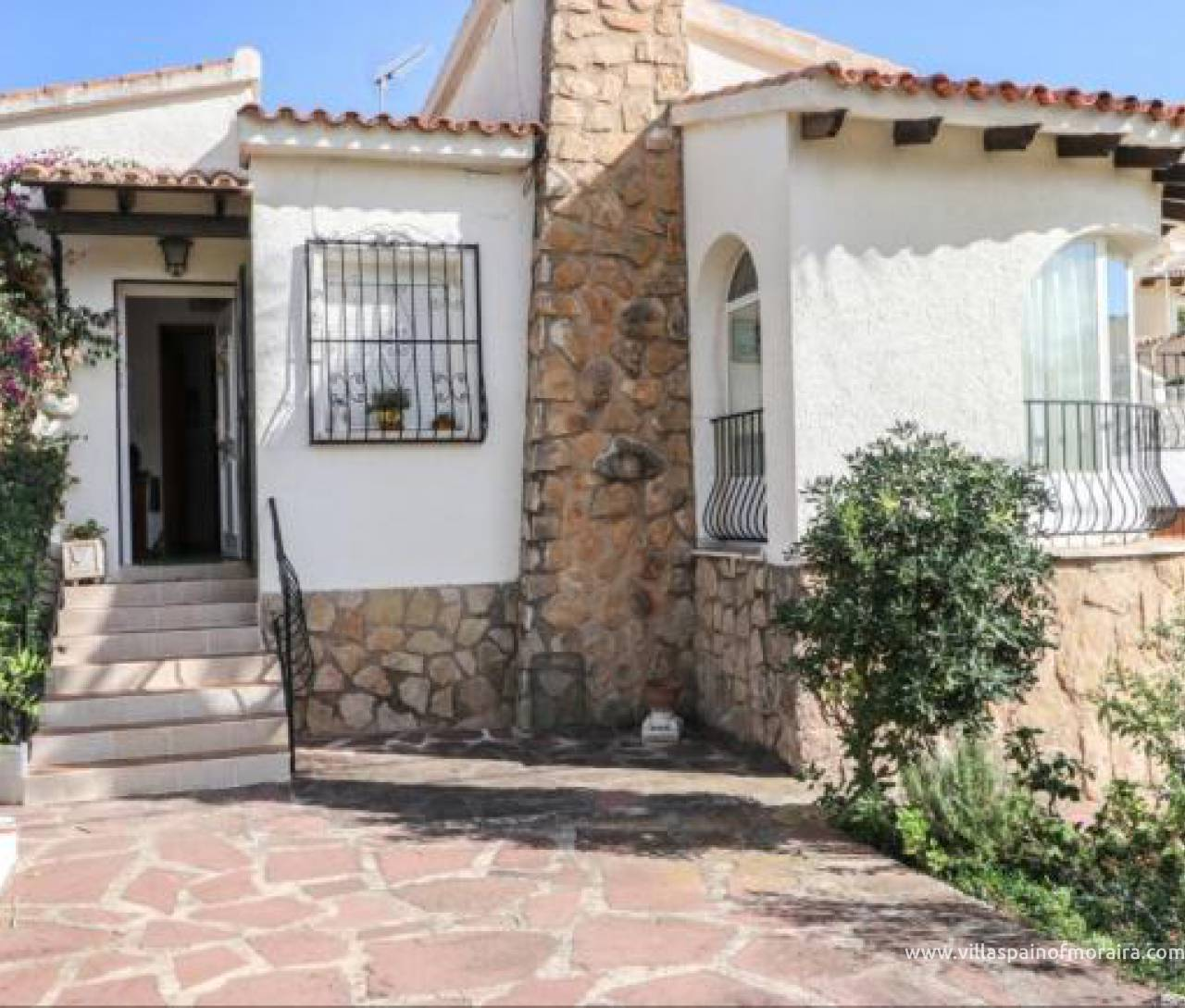 Bargain villa for sale in Moraira