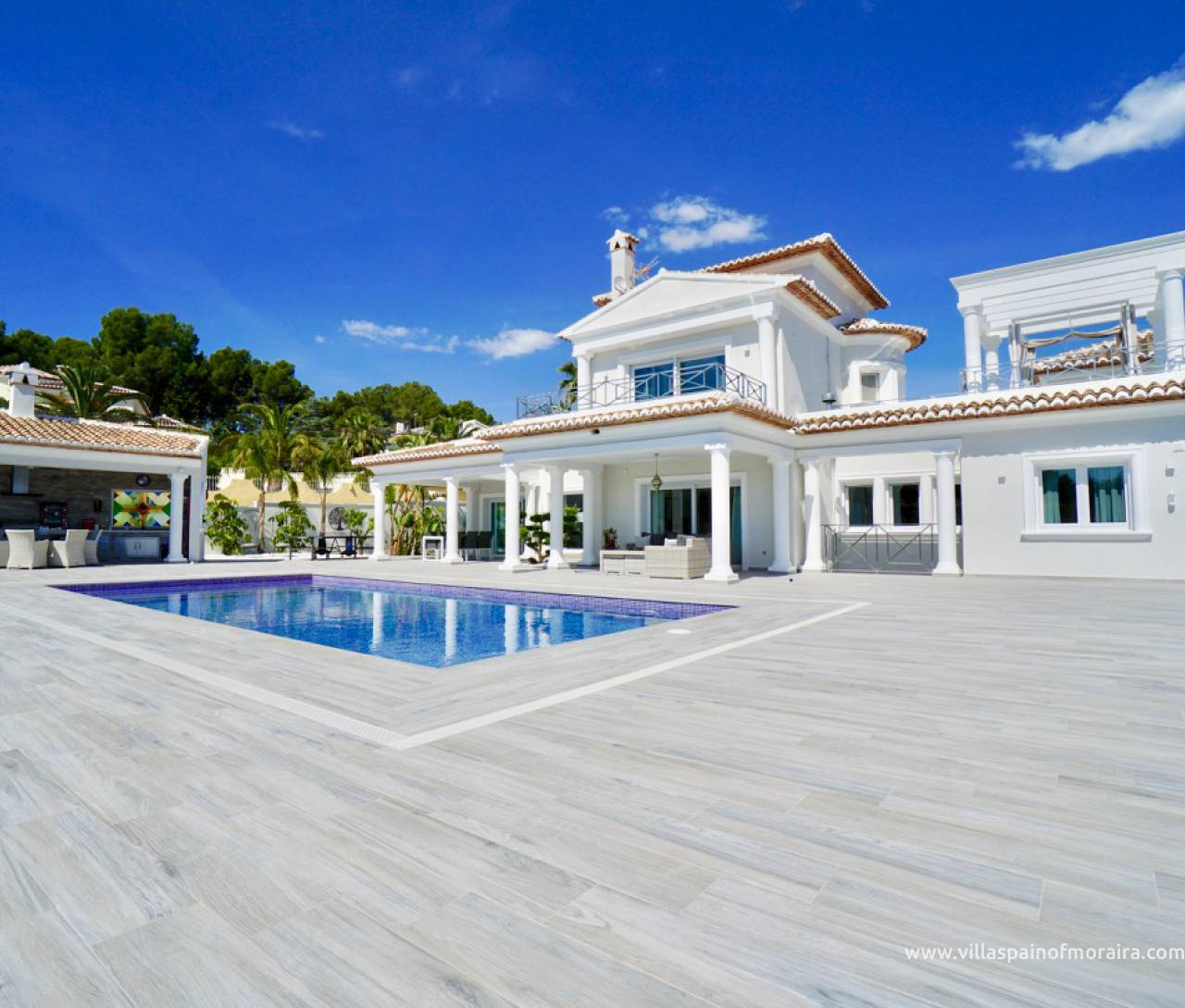 Luxury villa in Moraira close to town