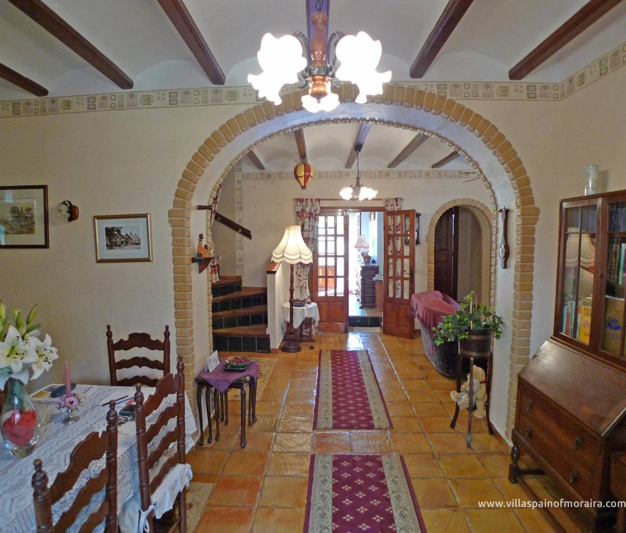 Traditional townhouse for sale in Lliber dining room