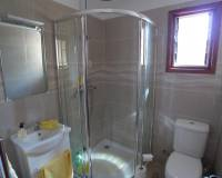 Traditional townhouse for sale in Lliber shower room