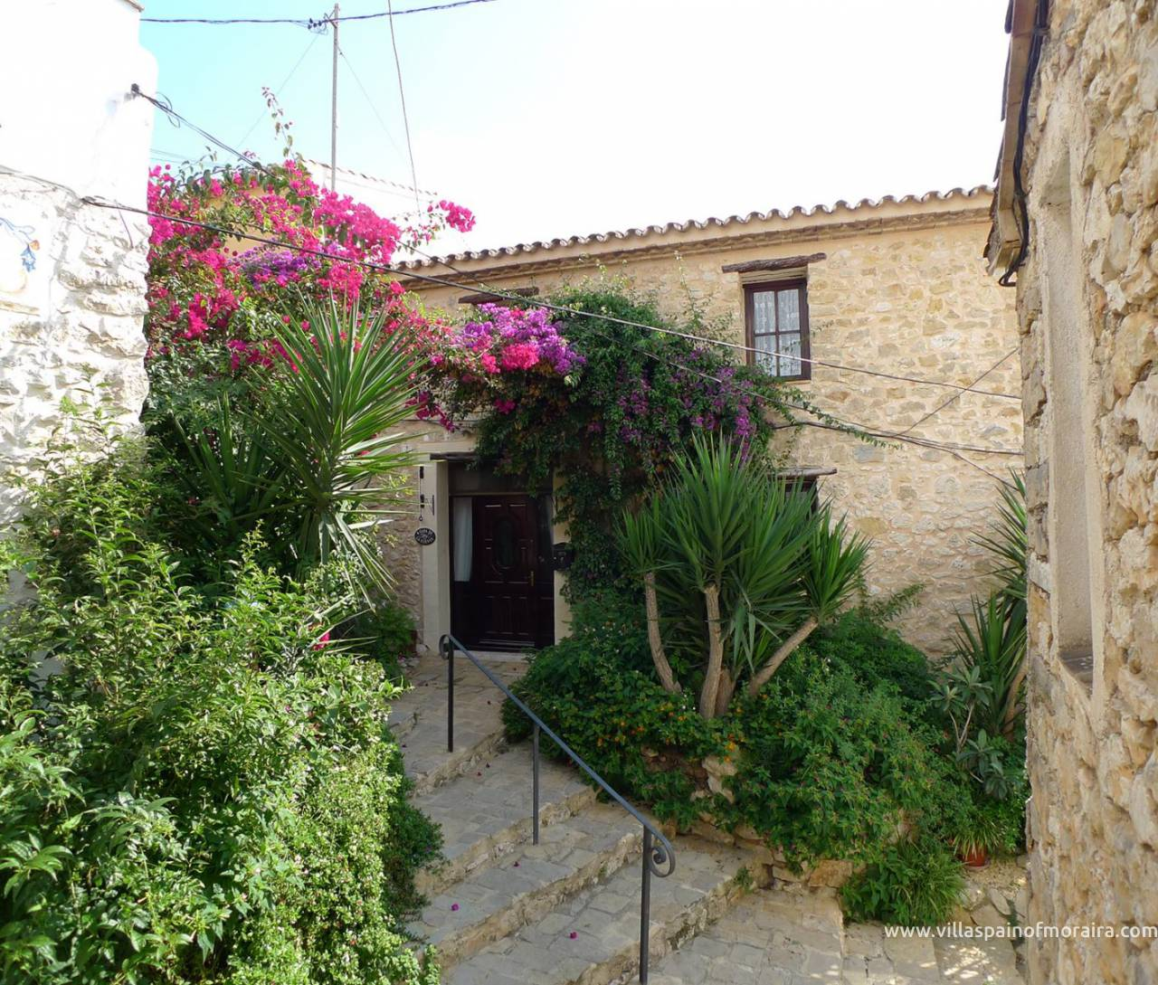 Traditional townhouse for sale in Lliber